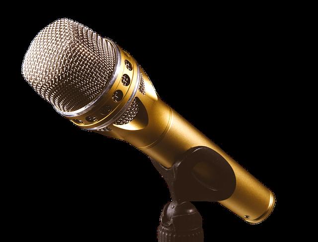 Zeige Deine Rap Skillz mit einem goldenen Mikrofon
